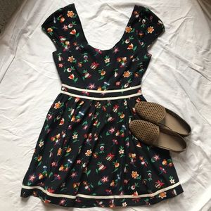 Floral Dress with Cutout Back 💐